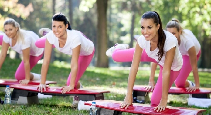 women doing aerobic workouts