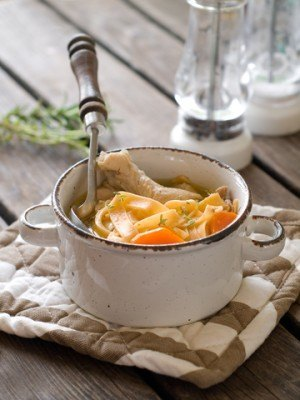 great-chicken-soup-with-noodles-in-pot
