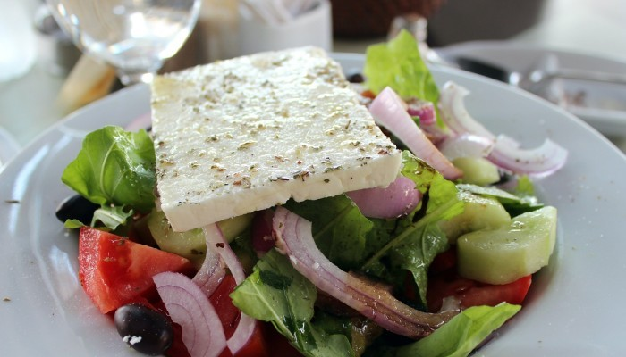 greek salad with feta cheese