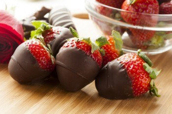 Healthy Sweet Treat - Strawberries In Chocolate
